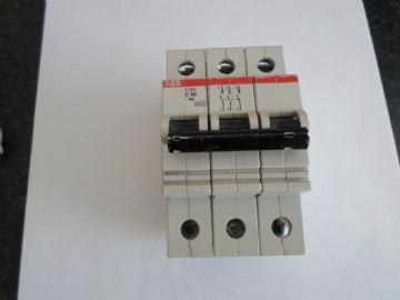 ABB S 263 D50 50 AMP  10KA TRIPLE POLE CIRCUIT BREAKER.